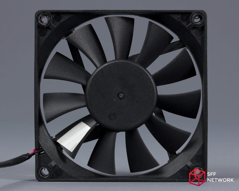 Enermax Revolution SFX 550W ERV550SWT fan