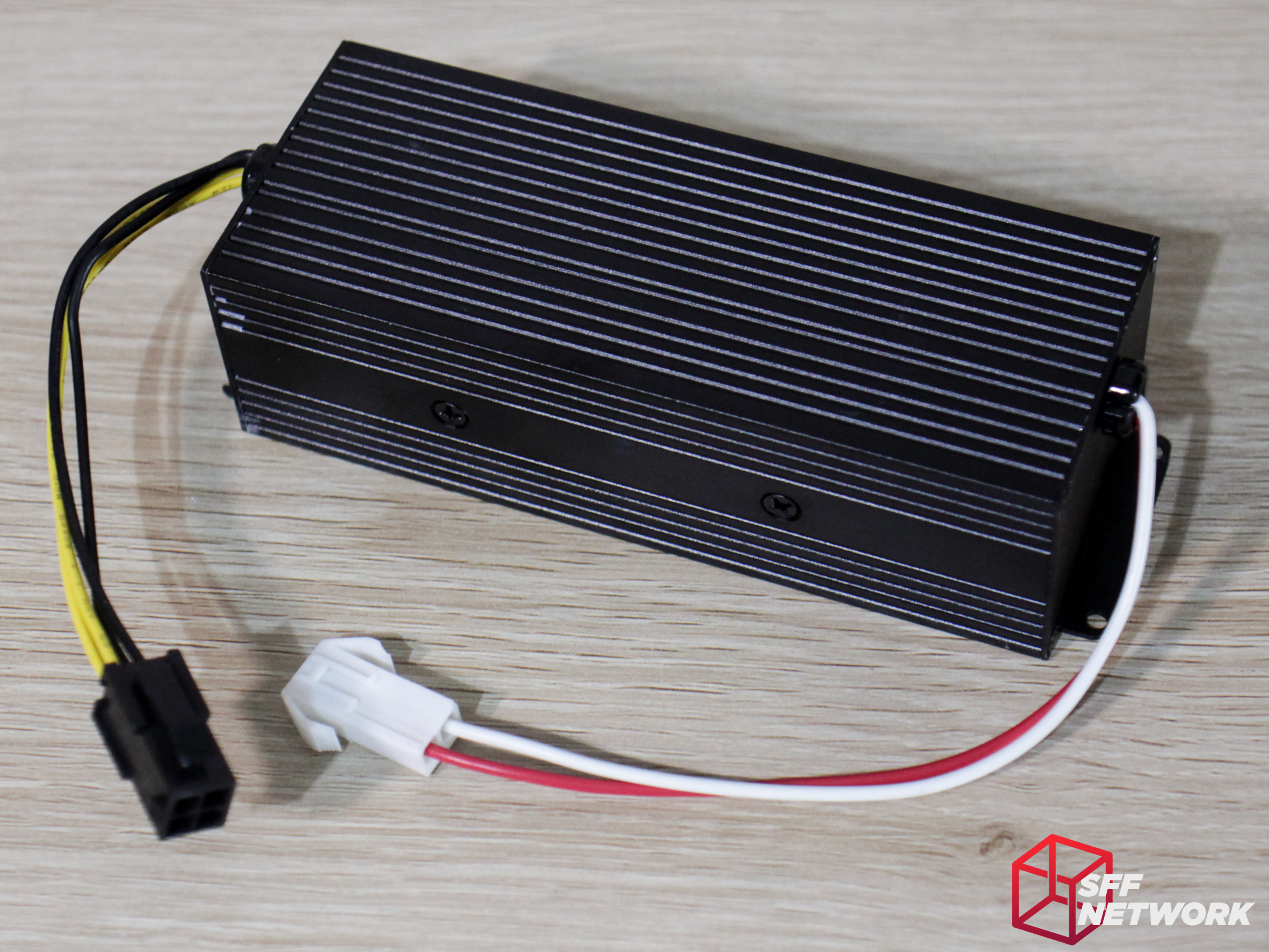 Hdplex Ac Dc 160w And 300w A Powerful Solution Small Form Power Supply Built In Emi Filter With Overload Short Circuit Now For The Showpiece Passively Cooled Subtle Unit That Is Clothed Somewhat Robust Black Powdercoat