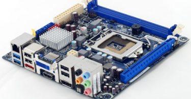 Intel DH67CF Mini-ITX Motherboard