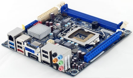 Intel DH67CF Mini-ITX Motherboard